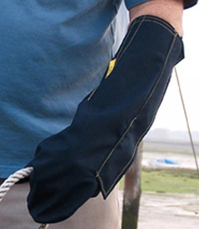 OUTCAST Adult Outdoor Arm Weather Protector Large